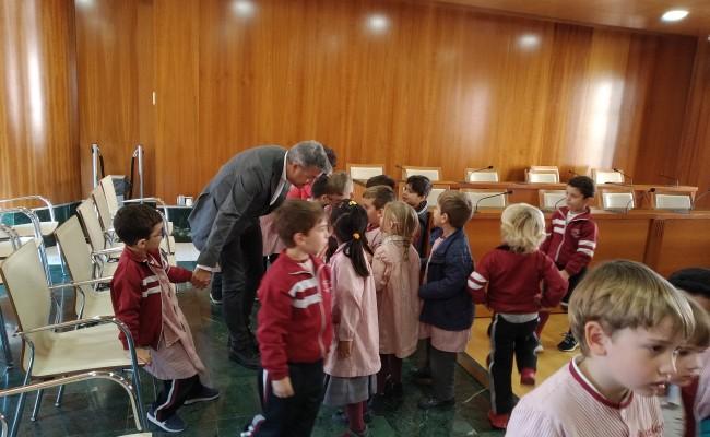visitamos-el-ayuntamiento-y-biblioteca
